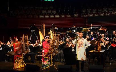 Sứ giả đưa âm nhạc Việt Nam ra thế giới